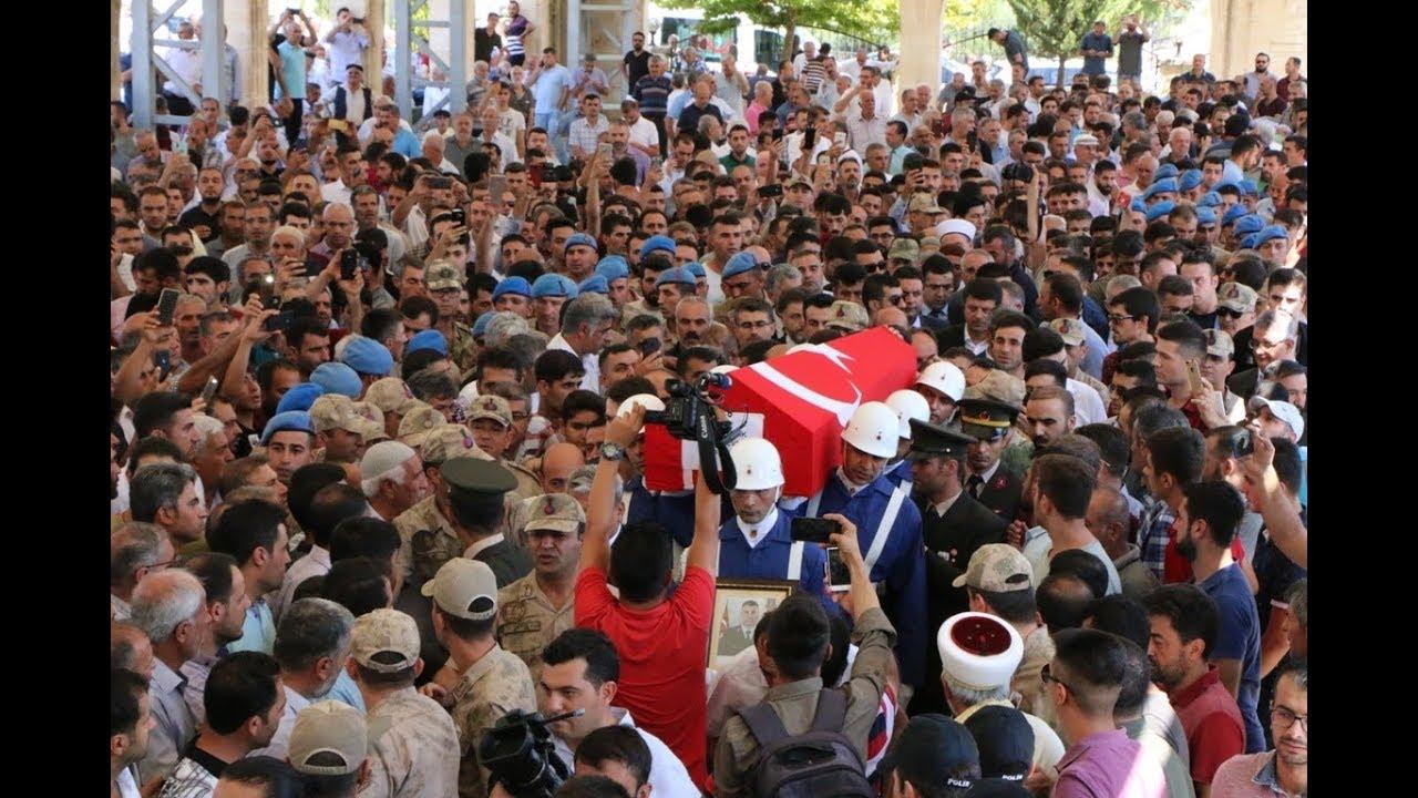 Şehit Uzman Çavuş Ayhan Yanık'ını Binlerce Kişi Son Yolculuğuna Uğurladı