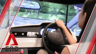 We tried our hand at simulator training for learner drivers in Singapore screenshot 4