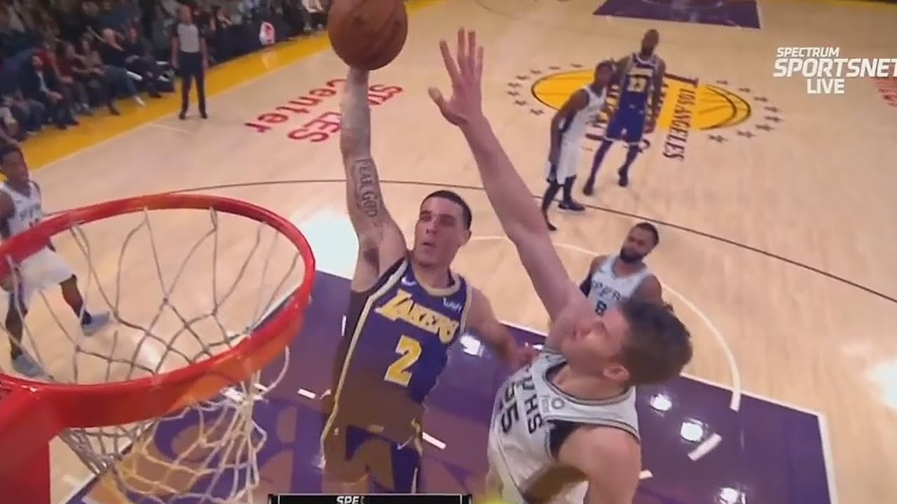 lonzo-ball-almost-murders-jakob-poeltl-with-dunk-lakers-vs-spurs