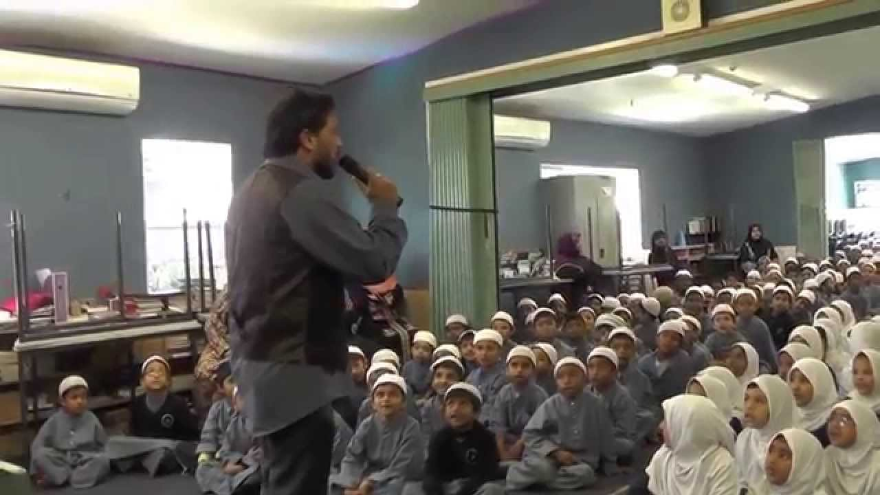 Najam Sheraz at Al-Madinah school 1st Dec..14.. Alhumdullillah ...