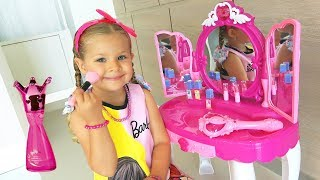 Diana and Roma pretend play with Makeup Play Table Toy