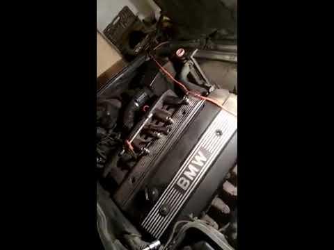 замена охлаждающей жидкости на BMW 520i e34 (Часть 2) Как открутить сливной болт на двигателе.