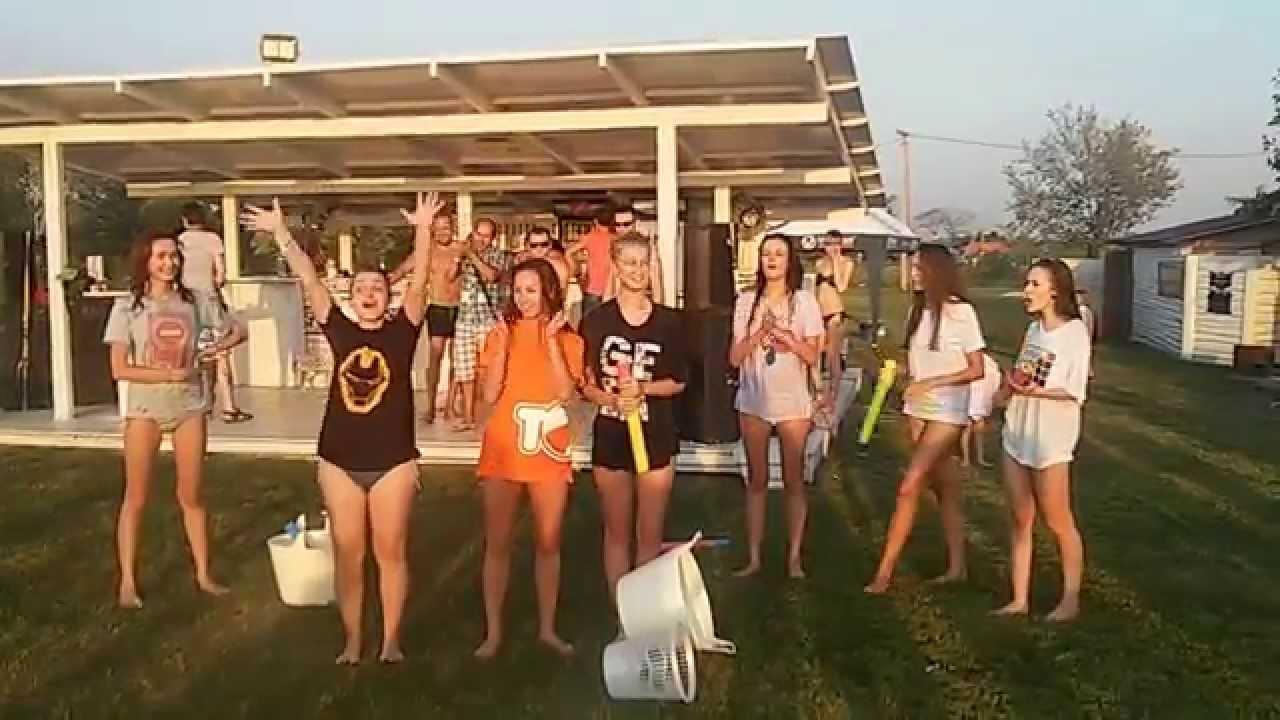 Видео голых конкурс мокрых маек, порно видео с клаудиа мария