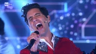Mika canta 'Rain' - Stasera CasaMika 07/11/2017