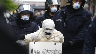 Ультра правые и ультра левые протестуют в Германии