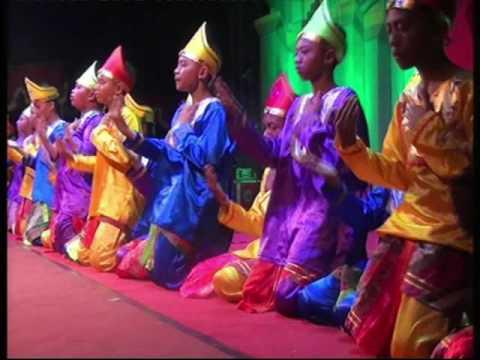 Mahakarya Seni al-Amanah 2016 Putra - 11. Tari Saman