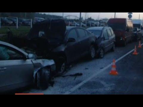 Нетрезвый бесправник повредил 6 автомобилей