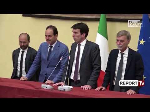 Report TV - Itali, PD pranon marrëveshjen me '5 Yjet' për forumin e qeverisë së re
