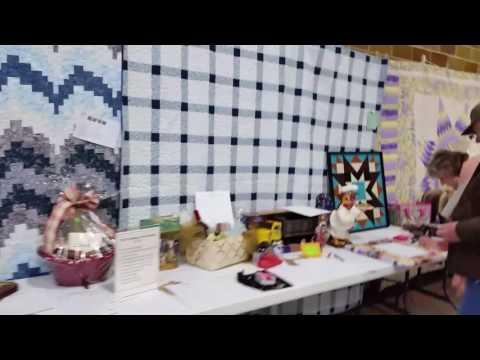 4 Fischer sisters quilt display