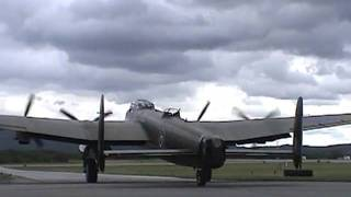 Video 'Mynarski Memorial Lancaster' Bomber ~ World War II Weekend 2006 download MP3, 3GP, MP4, WEBM, AVI, FLV Januari 2018