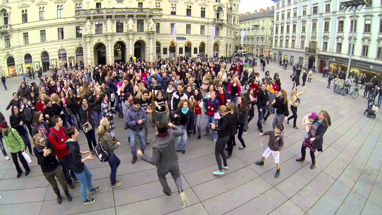 Happy Flashmob