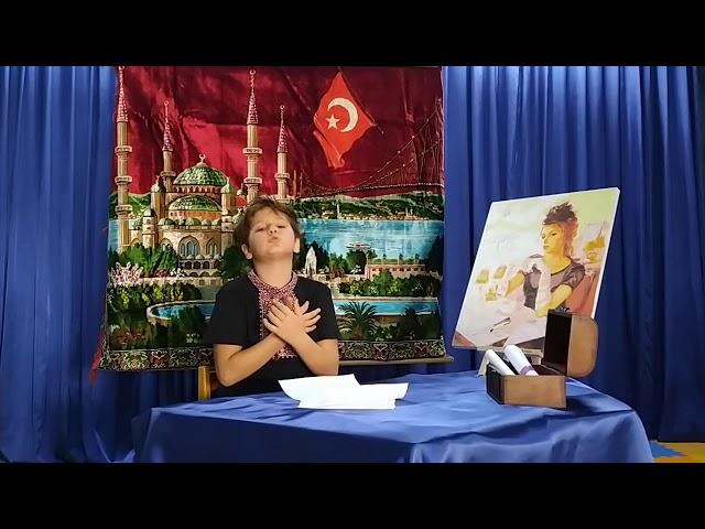 Изображение предпросмотра прочтения – Берке ГюнейОзер читает произведение «Никогда я не был на Босфоре» С.А.Есенина
