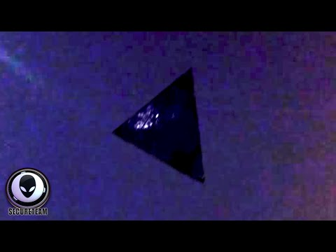 53874b2423a9 SHOCKING NEW FOOTAGE OF ALIEN SHIP OVER CHICAGO! BEST UFO SIGHTING MAY 2015
