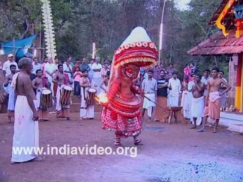 Wayanattu Kulavan - a Theyyam form