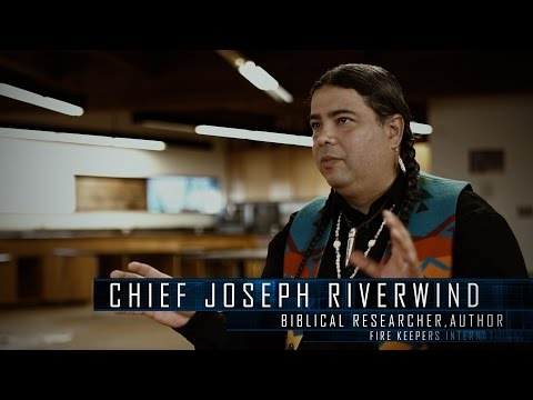 INDIAN CHIEF TALKS NEPHILIM GIANTS, STAR PEOPLE & STAR GATE PORTALS - JOSEPH RIVERWIND 2017