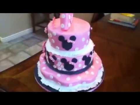 My first Minnie Mouse fondant cake - YouTube