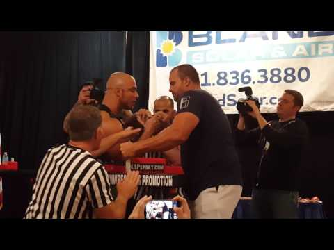 Chris Chandler vs Travis Bagent (100 kg+ right final round 1) @ 911 Classic Armwrestling 2016