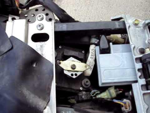 05 06 Zx6r Fi Light Fix Servo Bracket When Installing Exhaust Youtube