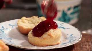 How to make scones for a perfect Cornish clotted cream tea Thumbnail