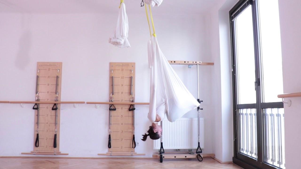Aerial Yoga Baby Vampire Vampire Exercise