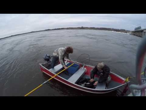 HOW WE FISHING WHITEFISH IN MANITOBA 2016 October 30