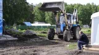 Погрузка и вывоз строительного мусора.(http://xn--80aaabwsofqd2a1al5a.xn--p1ai/ Погрузка и вывоз строительного мусора экскаватором-погрузчиком на базе Беларусь., 2014-07-04T12:31:32.000Z)