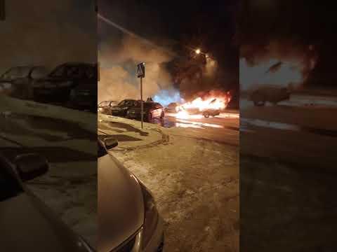 В Ступино згорели 3 автомобиля.