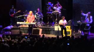 "Hall and Oates ""Private Eyes"" at Cleveland Public Auditorium 10 May 2014"
