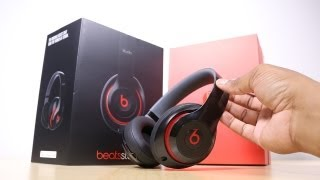 Beats Studio Headphones Unboxing (2013)(Other places I hang out: FaceBook Fan Page: http://goo.gl/pZsjC Twitter: http://twitter.com/soldierknowbest Instagram: http://instagram.com/markwatson Google+: ..., 2013-08-11T21:57:13.000Z)