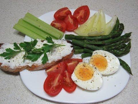 """Slabeste sanatos in 2 saptamani: plan de meniu - Dietă & Fitness > Dieta – mymamaluvs.com"""" title=""""Meniu de slabit pentru 1 saptamana cu calorii pe zi"""" style=""""width:300px"""" /><br /> La pranz o ciorbita din legume sau o salata cu niste pipt de pui pt k nu ingrasa <strong>Meniu pentru slabit sanatos</strong> puteti manaca niste peste Eu va recomand sa va faceti si un abonament la sala si sda va duceti in fiecare seara macar o ora. Eu sanats ca v-arprinde bine. Am incercat o sumedenie de diete si moduri de viata super sanatoase. Tot grasa sint. Nu ma dau batuta. Fac eu pina la urma lebada din porc. Eu am incercat sa mananc mai putin, dupa ora 18 nu mai mancam deloc. Chiar eram infometat seara.</p> <p> Am reusit sa dau jos maxim 1 kg, dar <b>Meniu pentru slabit sanatos</b> mergeam <strong>Meniu pentru slabit sanatos</strong> la bere sau o pizza cu prietenii cum puneam la loc. Daca nu ai probleme de sanatate poti slabi mancand mai putin decat ai vrea, fara saturatie. Orice aliment in cantitati mici aduce un aport energetic sau de vitamine necesar organismului.<br /> Slabirea si mentinerea in forma nu este un proces rapid sau usor, dar cu un meniu de slabit sanatosbine pus la punct, poti avea un avantaj in plus. Iata cateva optiuni pentru fiecare masa a zilei! Vrei sa incepi ziua bine? Un mic dejun sanatos este primul pas important al zilei. Iata doua optiuni delicioase, satioase si sanatoase! Ai nevoie de: cateva linguri de orz perlat poti sa folosesti si fulgi de orzo banana, o lingura de miez de floarea-soarelui, o lingurita de miere. Preparare: orzul perlat trebuie fiert si scurs bine de apa. Peste el <strong>Meniu pentru slabit sanatos</strong> adauga banana taiata, se presara miez de floarea-soarelui si putina miere. Chiar <b>Meniu pentru slabit sanatos</b> esti grabita, nu inseamna ca trebuie sa sari peste micul dejun, ci sa alegi retete care se prepara rapid.<br /> Ai nevoie de: doua oua fierte bine, doua lingurite de iaurt degresat, putin curry, un praf de sare, do"""