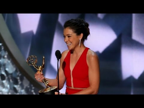 Tatiana Maslany wins Lead Actress, Emmy Awards 2016 HD