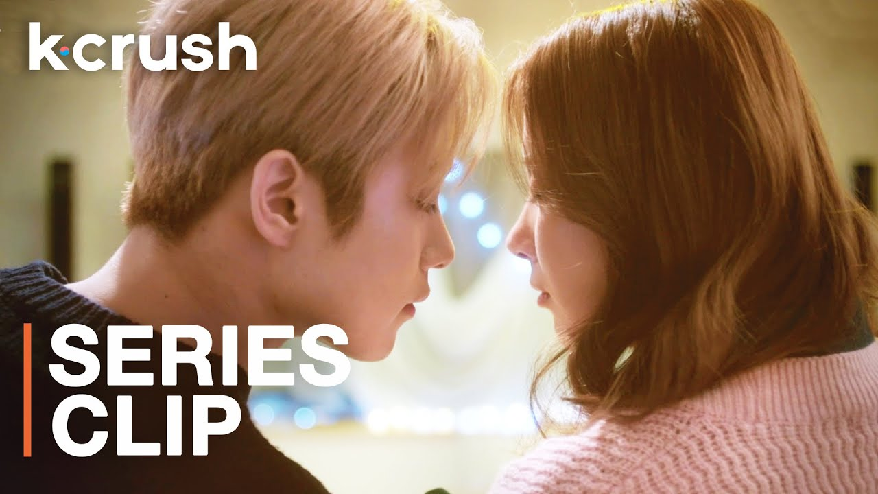 I almost kissed a k-pop idol after helping him with his comeback… | 4 Different Houses