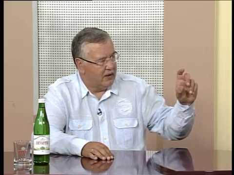 Актуальне інтерв'ю. Анатолій Гриценко про корупцію, війну та інші гострі питання