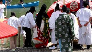 2015年に復活した車折神社の「三船祭」。新たに清少納言も登場し、華や...