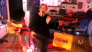 Bow down Mister - SillyVanilly (Boy George Cover) SillySessions