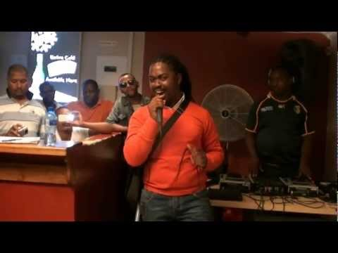 Andile Ses'khona performing Ngubasandazi...