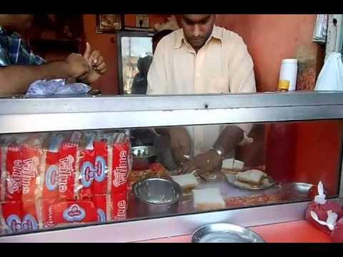 Samosa-Street Food of Vadodara-Gujarat-India By Axay37.wmv
