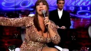 Showmatch 2011 - Moria Casán bautizó a Graciela Alfano