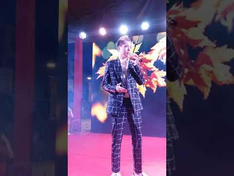 Trịnh Thăng Bình hát ở Lotte Mart