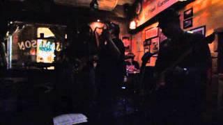 INTO THE PURPLE tocando May be I'm a leo e Hush, clássicos do Deep Purple !