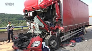 04.06.2019 - VN24 - (Teil2) - Truck salvage of the accident wreck on A1 near Schwerte