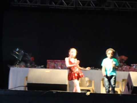 Download CTN - dia das criançãs - Mini Seu Jorge e Hubya Klefenz