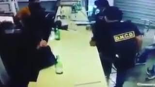 VÍDEO Muestra supuestos agentes DNCD repartiéndose dinero luego de allanamiento ilegal