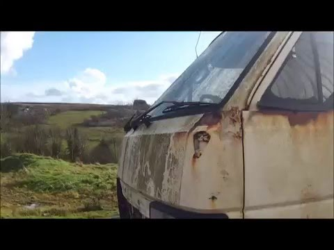 1985 toyota hiace restoration         [looking at the RUST]