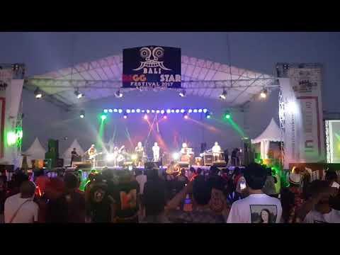 """Andreggae feat Riffi putri """"Anak pantai /Bali reggae star fest 2017 at. Sanur Bali"""