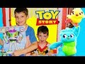 Toy Story 4 CARNIVAL Game BUZZ IN TROUBLE & Woody Saves Buzz as a Carnival Prize with Ducky & Bunny