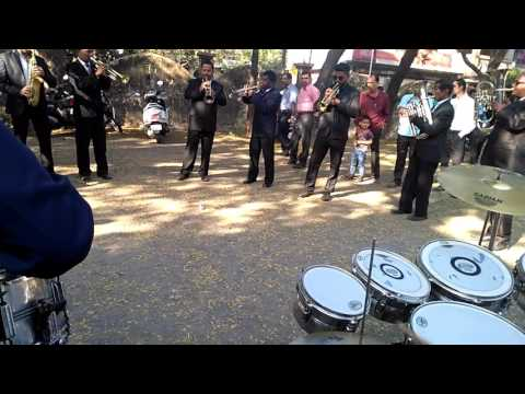 Archana brass band (special song)playing old Hindi songs..
