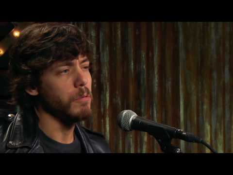 Chris Janson – Help Me Make It Through The Night (Forever Country Cover Series)