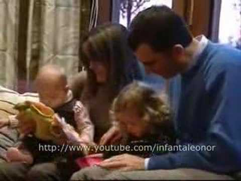 Prince Felipe and Princess Letizia with their daughters