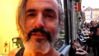 Hoe vat Ruben Block , straffe gitarist bij Triggerfinger, de Lange Wapper  samen?